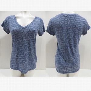 Hollister top Medium v-neck short sleeve printed